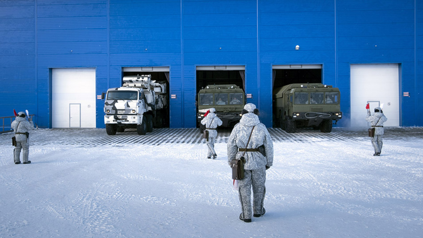 Russia Sends Mass Quantities of Supplies to Arctic Military
