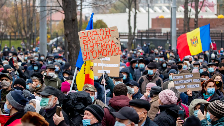Moldova's pro-European president-elect Maia Sandu faces fierce opposition. Dumitru Doru / EPA / TASS