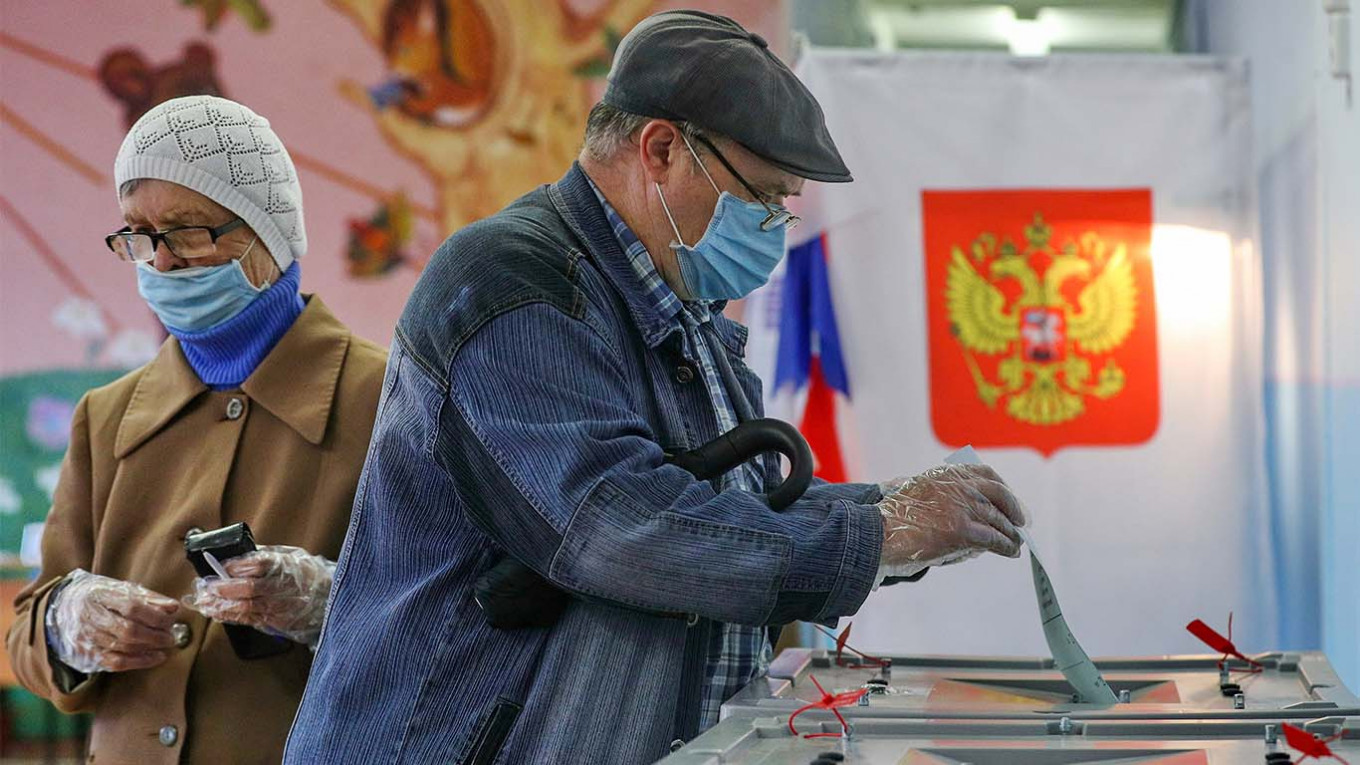 All We Have Is Putin Russians Vote To Grant President Ability To Extend Rule Until 2036 The Moscow Times