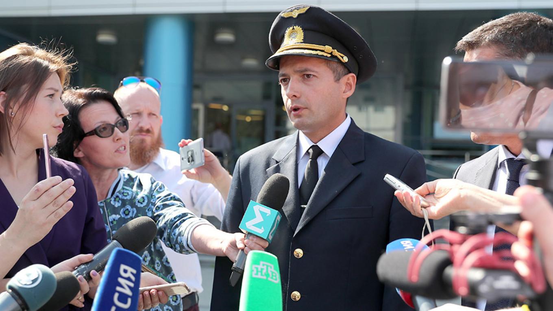 Russian Pilot Says He's No Hero Despite Praise for Crash-Landing