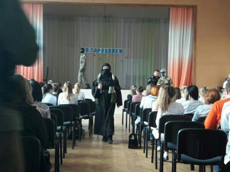 "Photo taken by a student present at the ""anti-terrorist training exercise."" Photo: Tikhvinskaya Soroka / Vkontakte"
