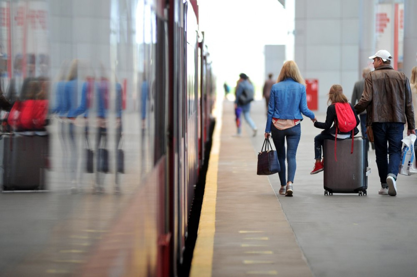 Record Number of Russians Want to Emigrate ? Gallup - The Moscow Times