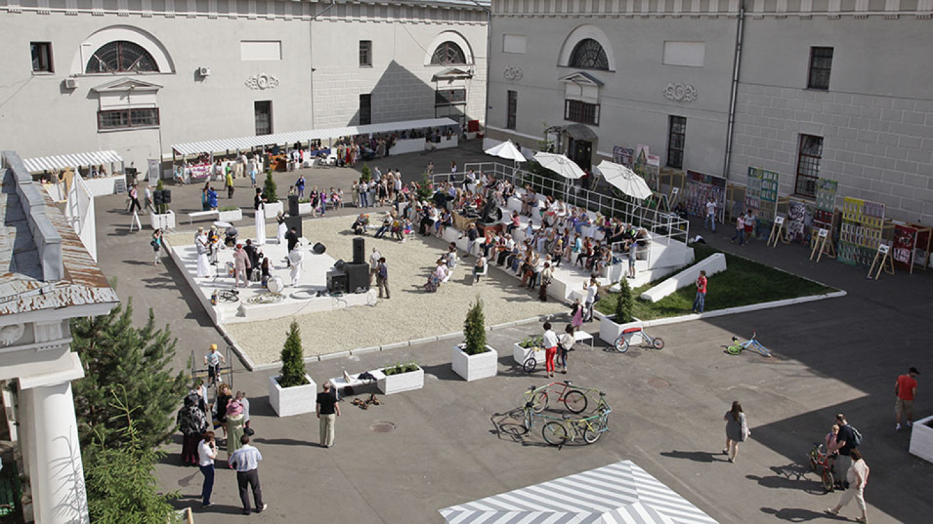 An event in the vast courtyard of the Museum of Moscow.  Courtesy of Museum of Moscow