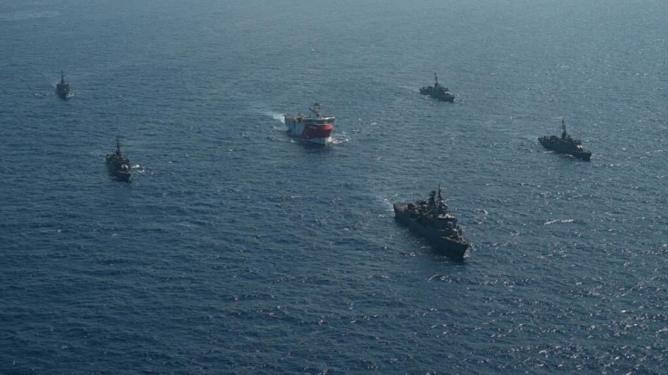 Russia Quotes Law of Sea to Calm Greek-Turkey Tension