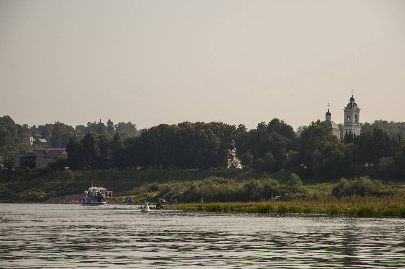 Tarusa's picturesque setting on the banks of the Oka River has made it a haven for Russian writers.				 				Getty images