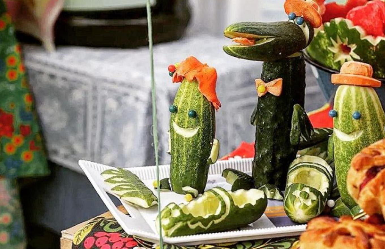 Yes, that is Genna the Crocodile Cucumber tic_vladimir33 / Instagram