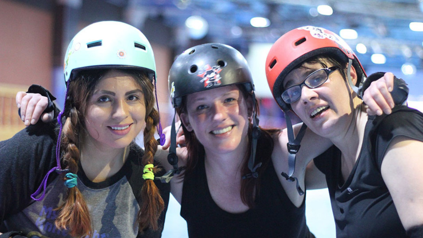 From left to right: Bree Antonova (from the United States), Aurelie, and Nadya Borets, one of the co-founders of the Moscow team.				 				Moscow Roller Derby