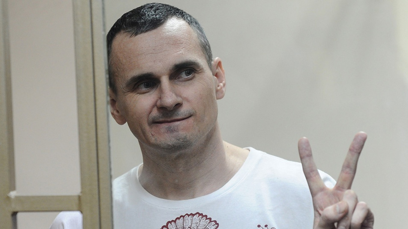 Jailed Ukrainian Filmmaker Sentsov Moved to Moscow Ahead of Rumored Exchange, Media Reports