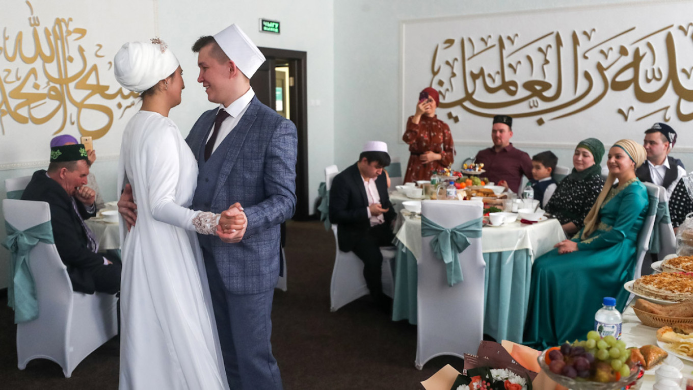 Mixed-Marriage Ban for Russian Muslims Sparks Backlash ...