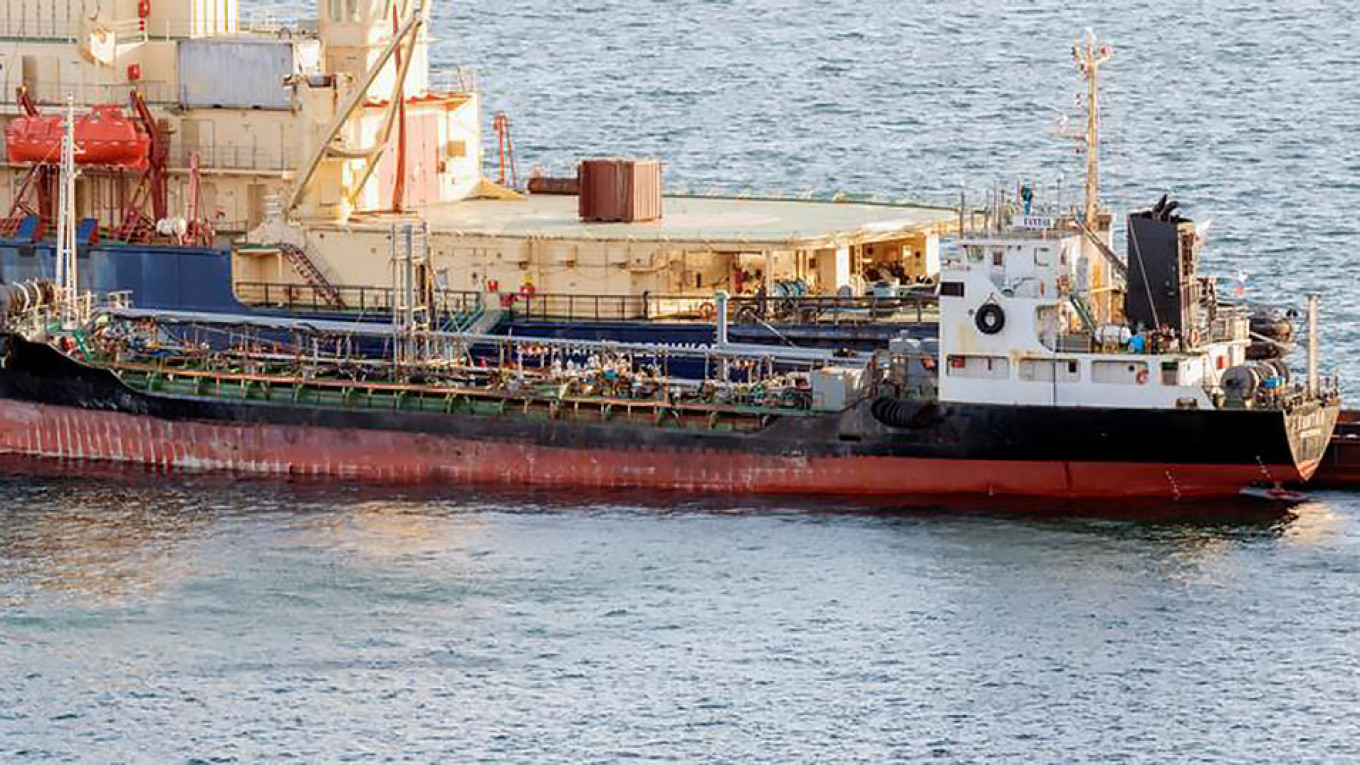 newest ff7e3 344f8 Despite Sanctions, Russian Tanker Supplied Fuel to North Korean Ship — Crew  Members