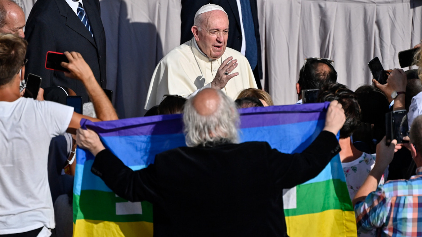 Catholics Will Convert to Orthodoxy Over Pope's LGBT Support, Russian Church Predicts - The Moscow Times
