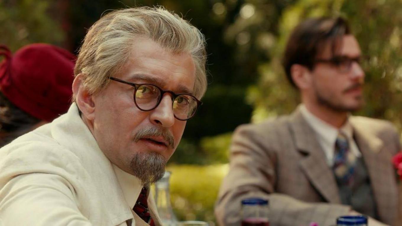 Konstantin Khabensky as Leon Trotsky. Pervy Kanal