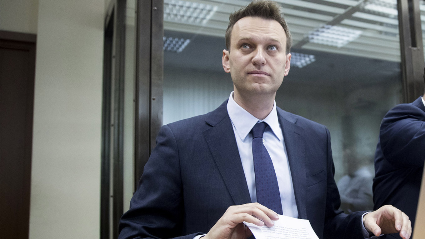 Russian Police Search Navalny's Apartment, HQ – Aides – The Moscow Times