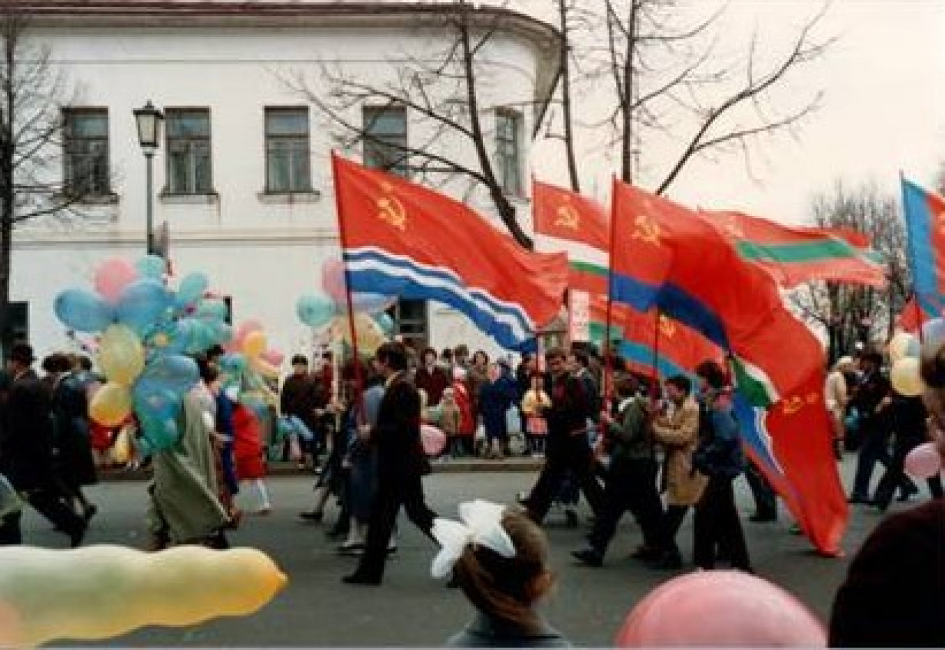 May Day in Suzdal 1988 Courtesy of Harald Lipman