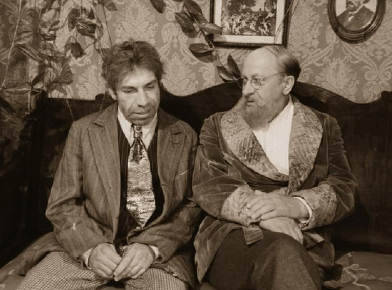 Vladimir Tolokonnikov (Sharikov) and Yevgeny Yevstigneyev (Prof. Preobrazhensky) YouTube