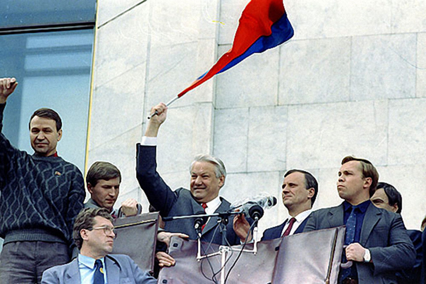 Boris Yeltsin at the White House during the August Coup. kremlin.ru