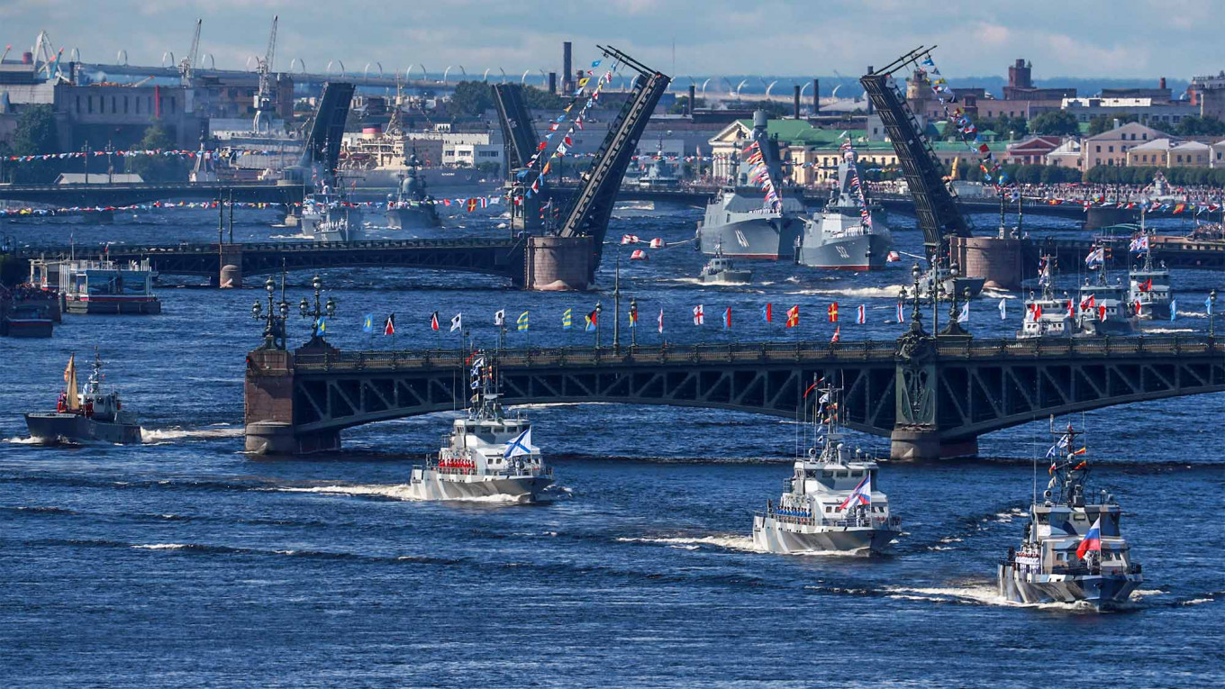 Russia's Naval Fleet Goes on Display in Annual Parade
