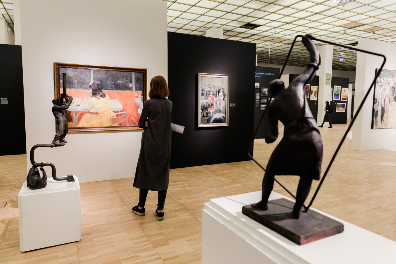 The 'Thaw' exhibit at the New Tretyakov Gallery features sculptures, paintings, photographs and fragments of films made during the period.				 				Yevgeny Alexeyev / State Tretyakov Gallery