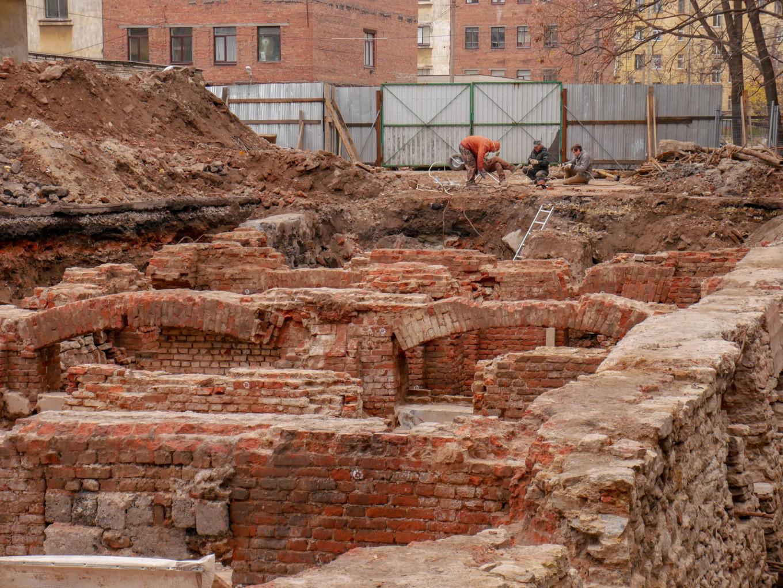 Excavations are ongoing at Fontanka 123. Daniel Kozin / MT