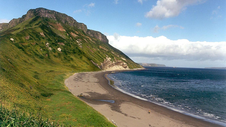 Один из Курильских островов, Россия Анатолий Хрущев, ВНИРО Россия