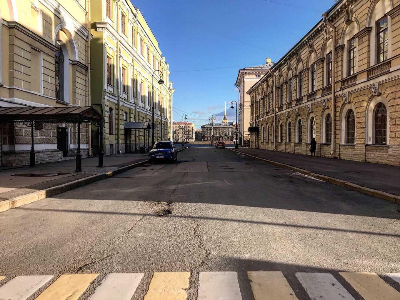 Empty streets, empty coffers. Yelena Brobrova / MT