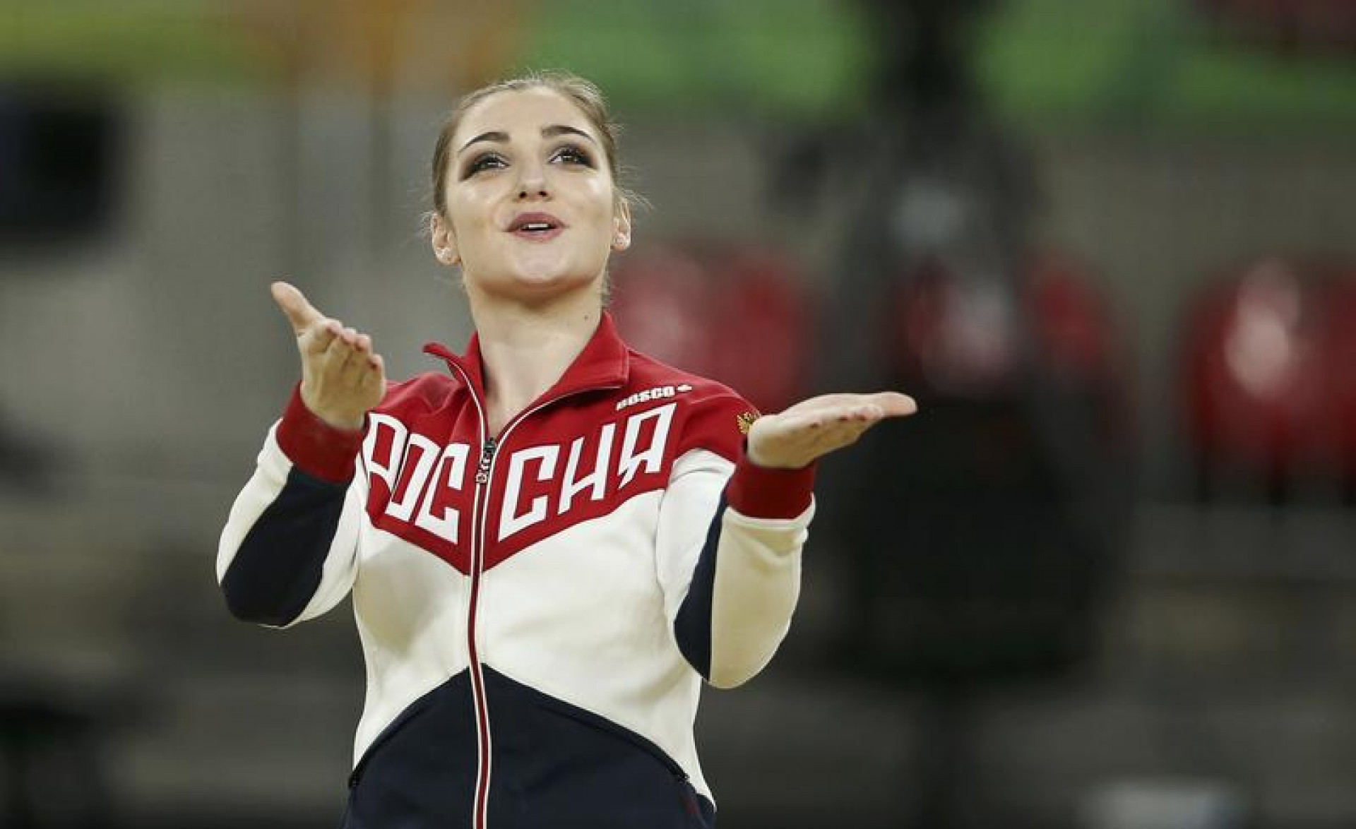 Mustafina Earns Russias First Gold; Tweddle Medals at Last