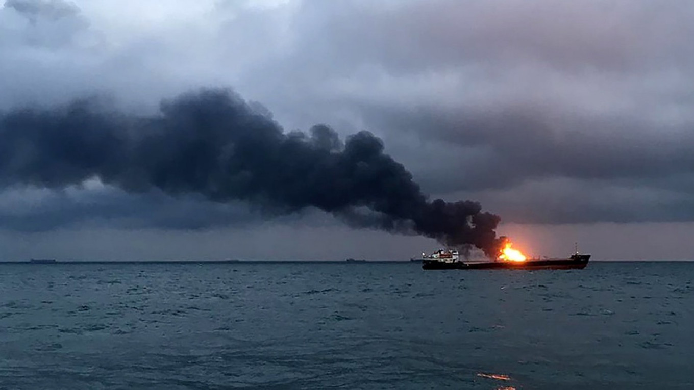 Russian Tugboat Rescues 12 Sailors After LNG Tankers Catch