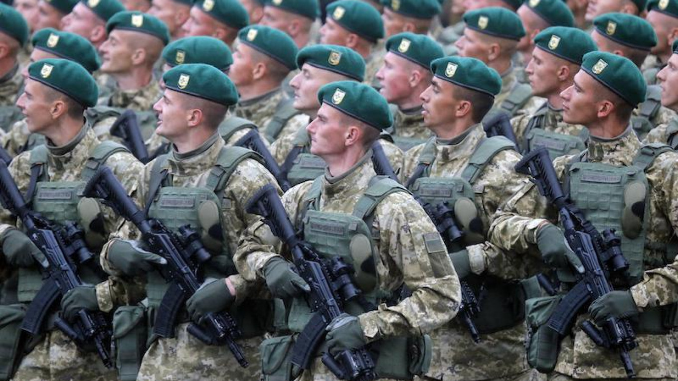 Ukrainian Army Moves Further West With New NATO-Style Uniforms