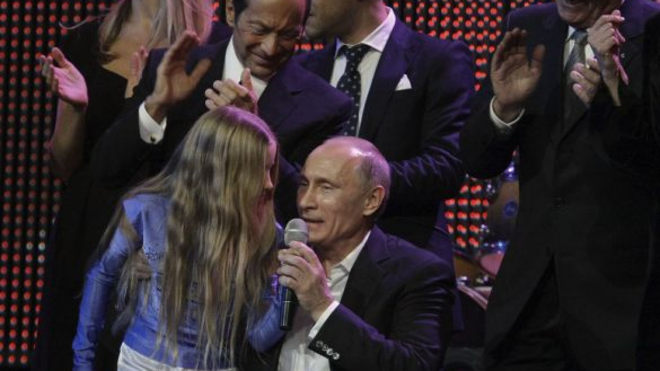At Charity Gala Putin Croons Blueberry Hill