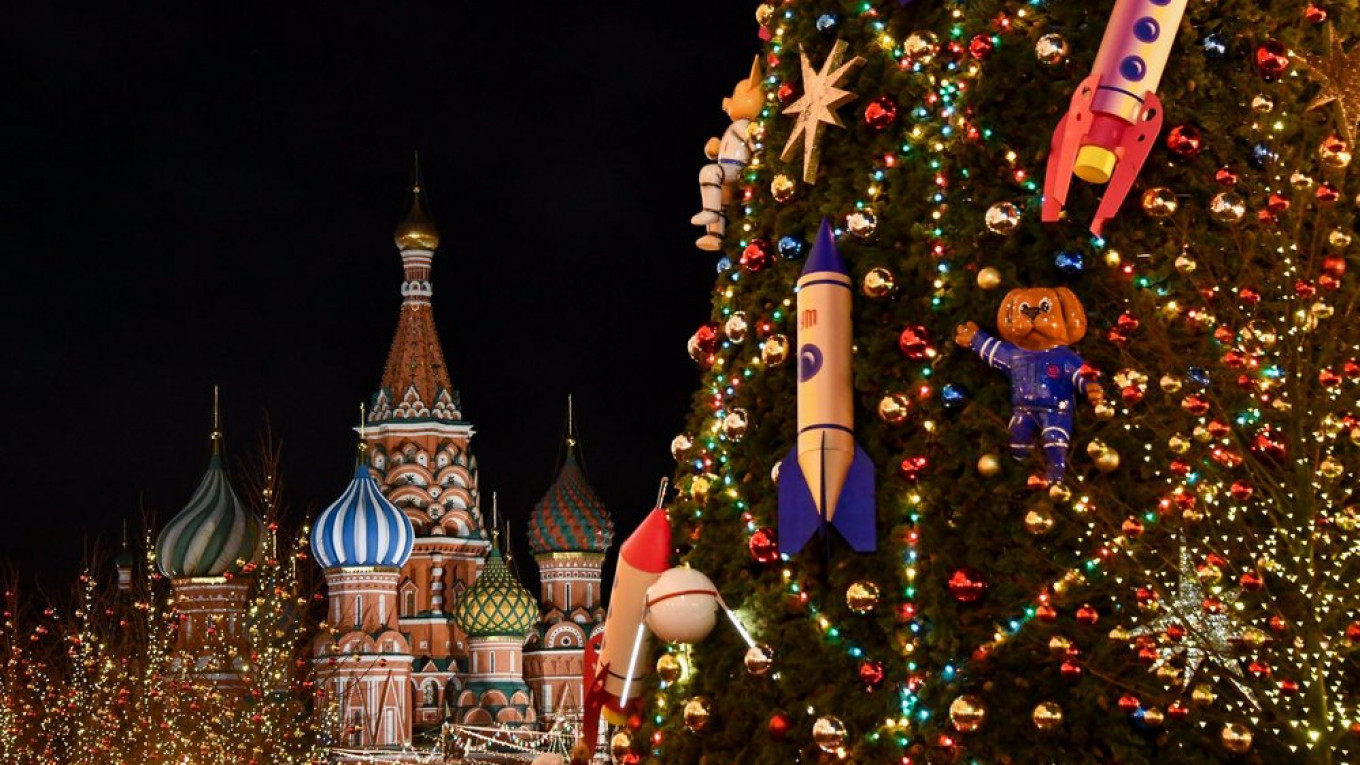 Russian Christmas For 2021 Moscow Calls Off Christmas New Year Celebrations Due To Coronavirus Mayor The Moscow Times
