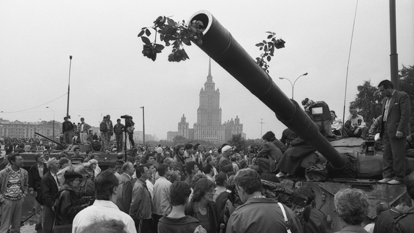On This Day in 1991 a Coup Was Attempted in Moscow