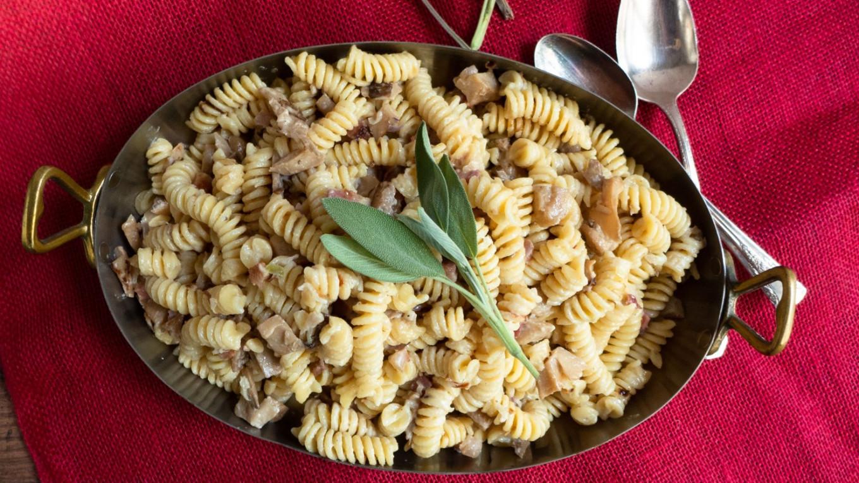 Autumn's Mushroom Bounty: Forager's Fusilli