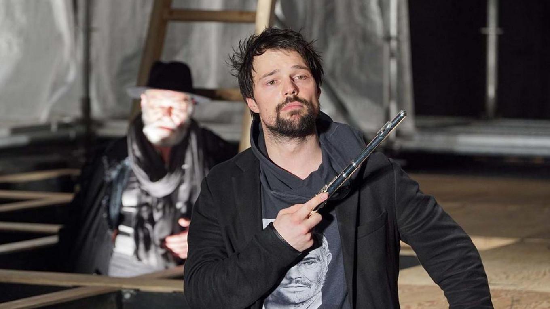 """Hamlet"" tamaşası. Rejissor Lev Dodin"