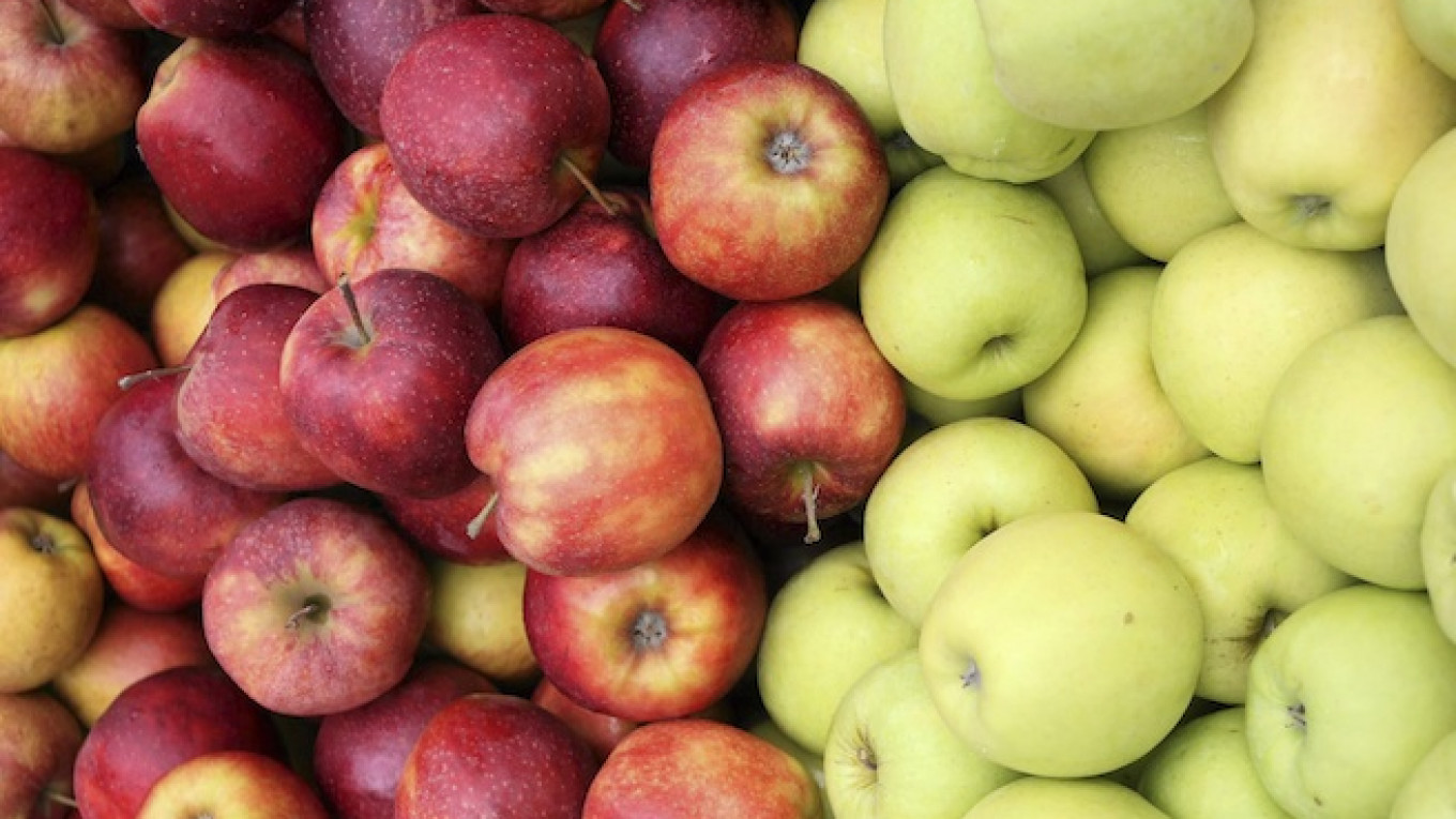 Russia to Ban All U S  Food Imports and EU Fruit and Veg, State