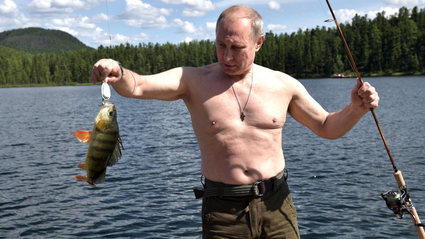 How Good Is Putin at Spearfishing Really? (Op-ed)