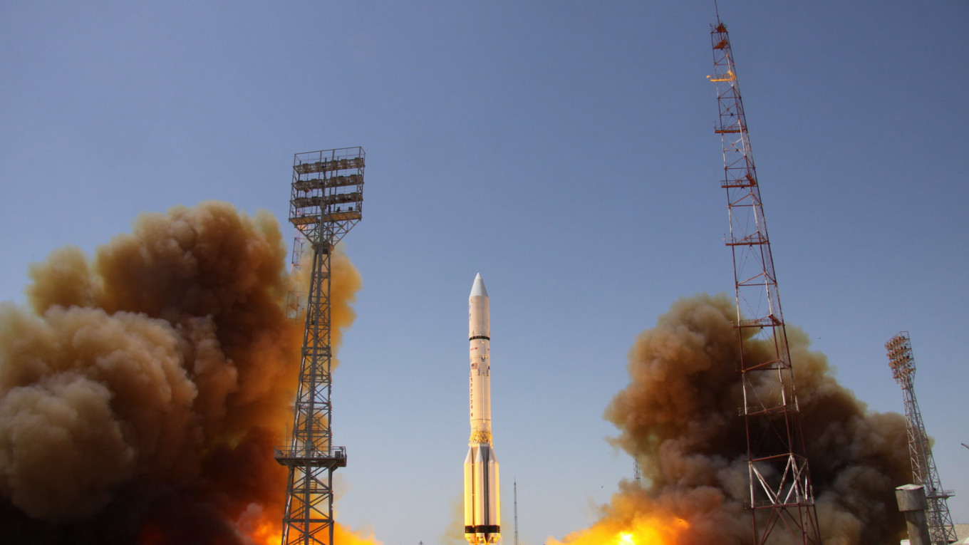 Russian Rocket Launched Carrying Space Observatory