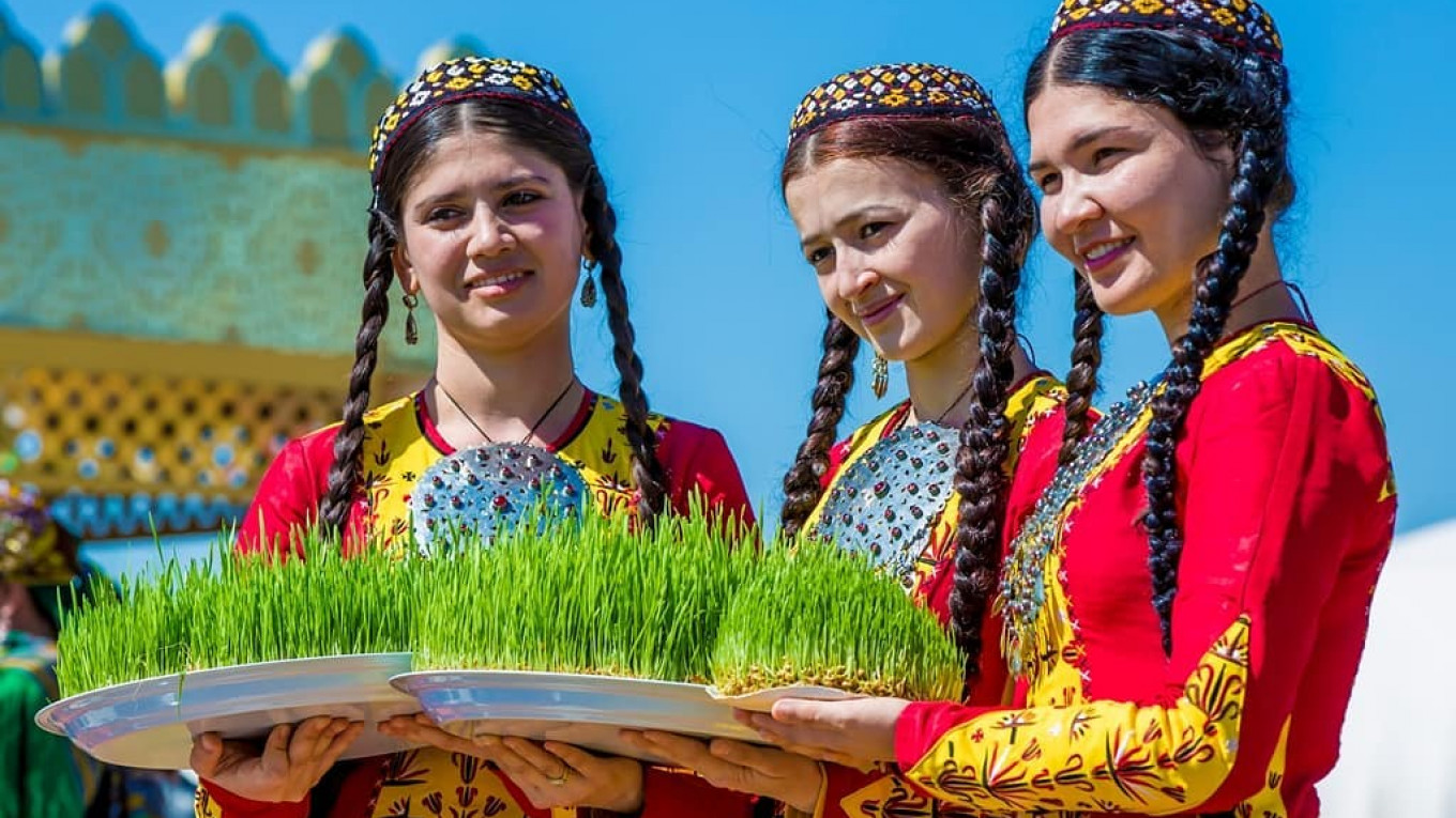 Nowruz Spring Equinox Holiday Celebrated With Color Across Russia