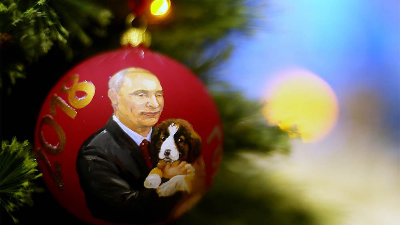 Russian Christmas.How To Decorate Your Christmas Tree Russian Style