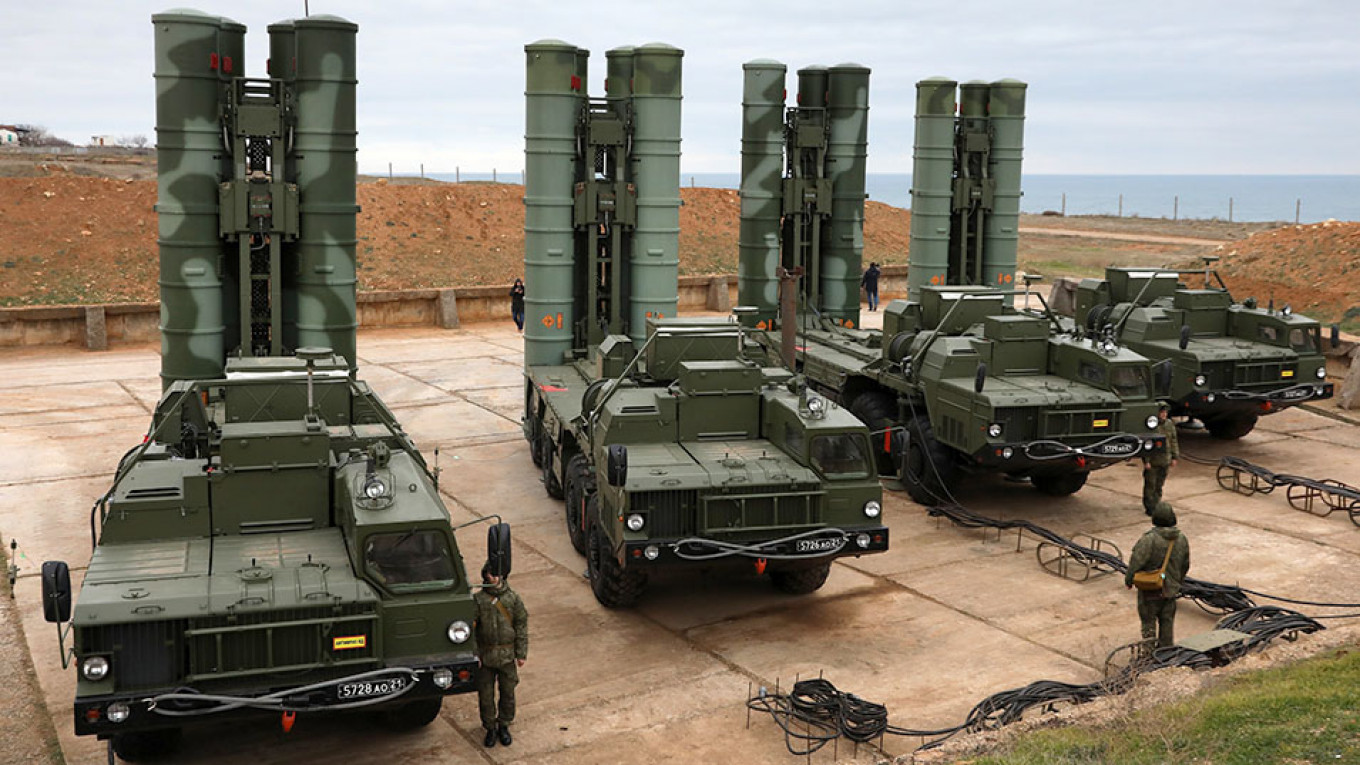 Russia's S-400 Is 'the Best Missile System All-Around,' U.S. Firm Says