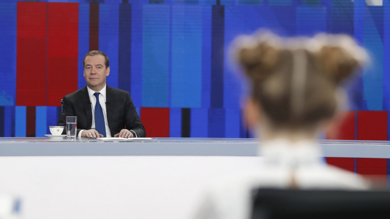 4 Quotes From Prime Minister Medvedev's Q&A