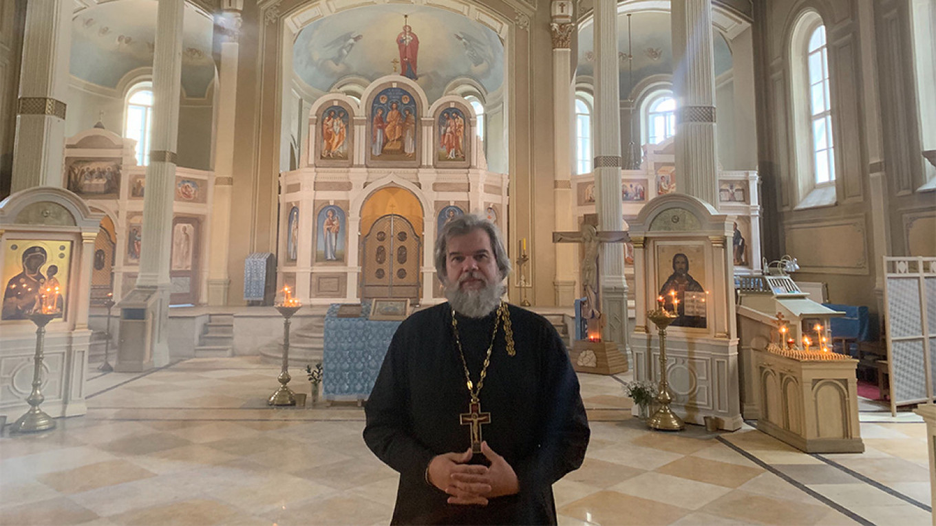 Russian Priest Who Signed Open Letter in Support of Protesters Says 'Government Threats' Not the Answer