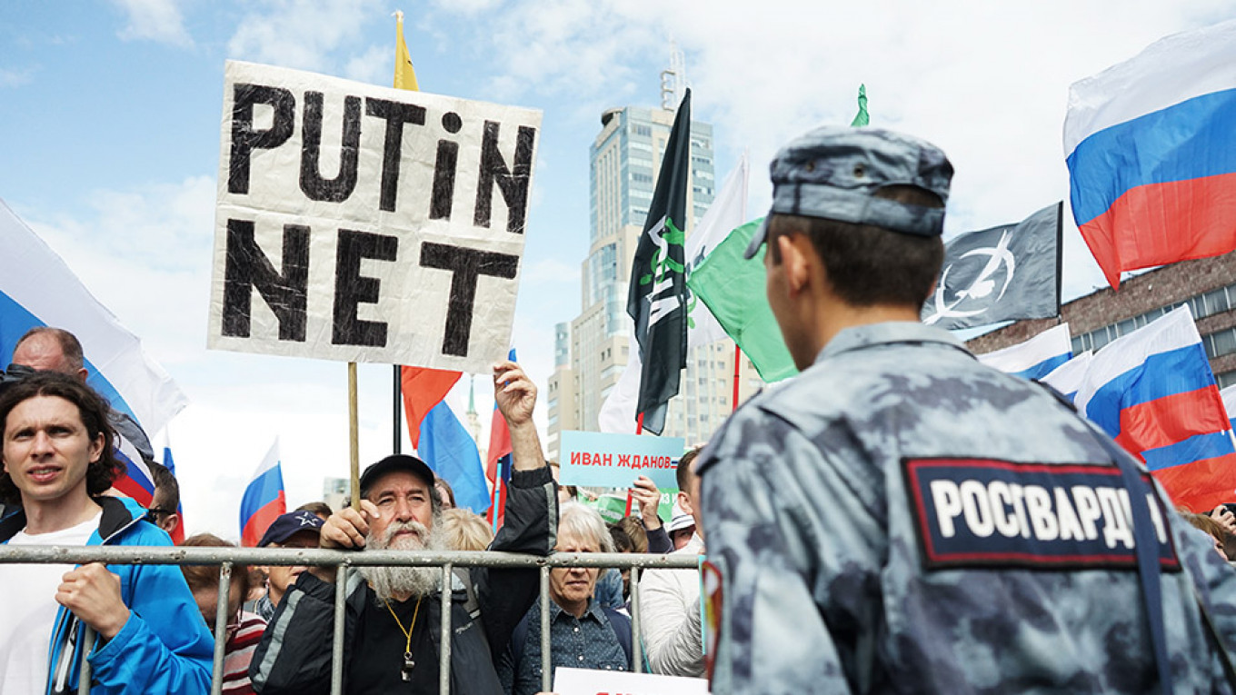 Muscovites Did Not Buy the Kremlin's Lies, But Putin Can Rule Without Their Support - The Moscow Times