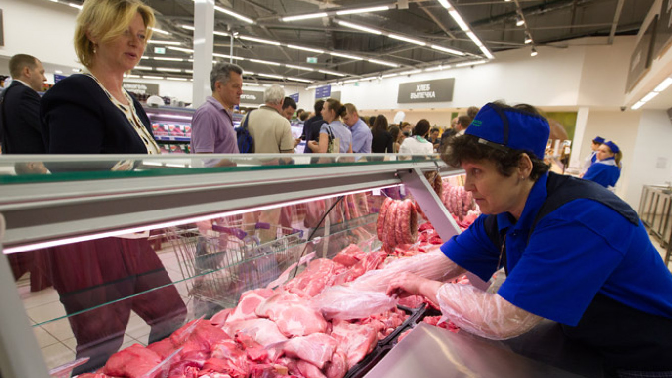 Russia Takes Steps to Cushion Impact of Food Import Ban