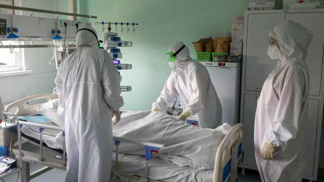 Russia Passes 1,000 Daily Coronavirus Deaths For First Time