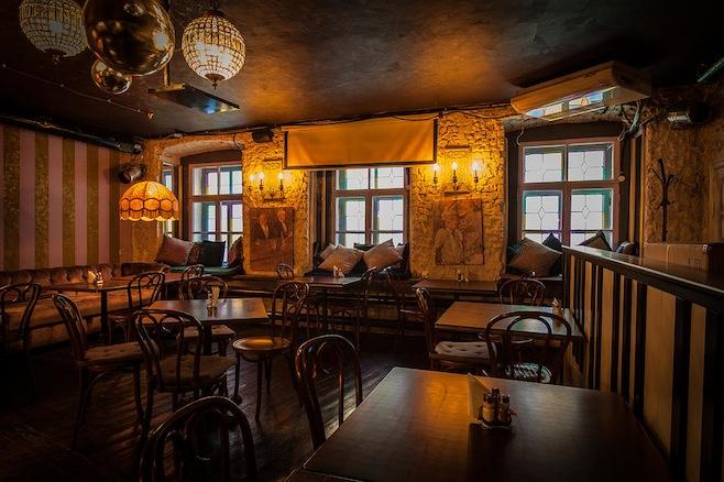 CAFE-2-Gogol.jpg