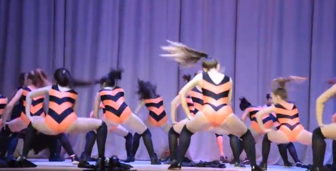 Twerking-bees-dance-russia-school.jpg