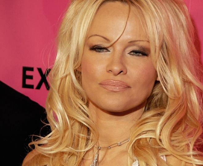 Celebrities-Pam_Anderson_Toglenn _ Wikicommons.jpg