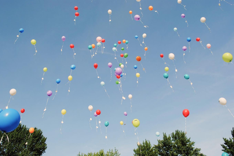 Как главные символы 1 сентября – букеты и воздушные шары – вредят природе