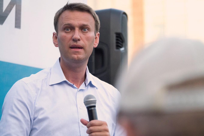 Обнаружение следов яда в организме Алексея Навального ускорило падение
