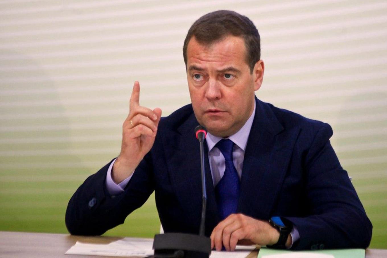 Бывший премьер-министр предложил выплачивать населению базовый доход